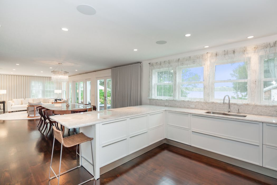 Waterfront Historic Home With Dock Sag Harbor, NY 11963