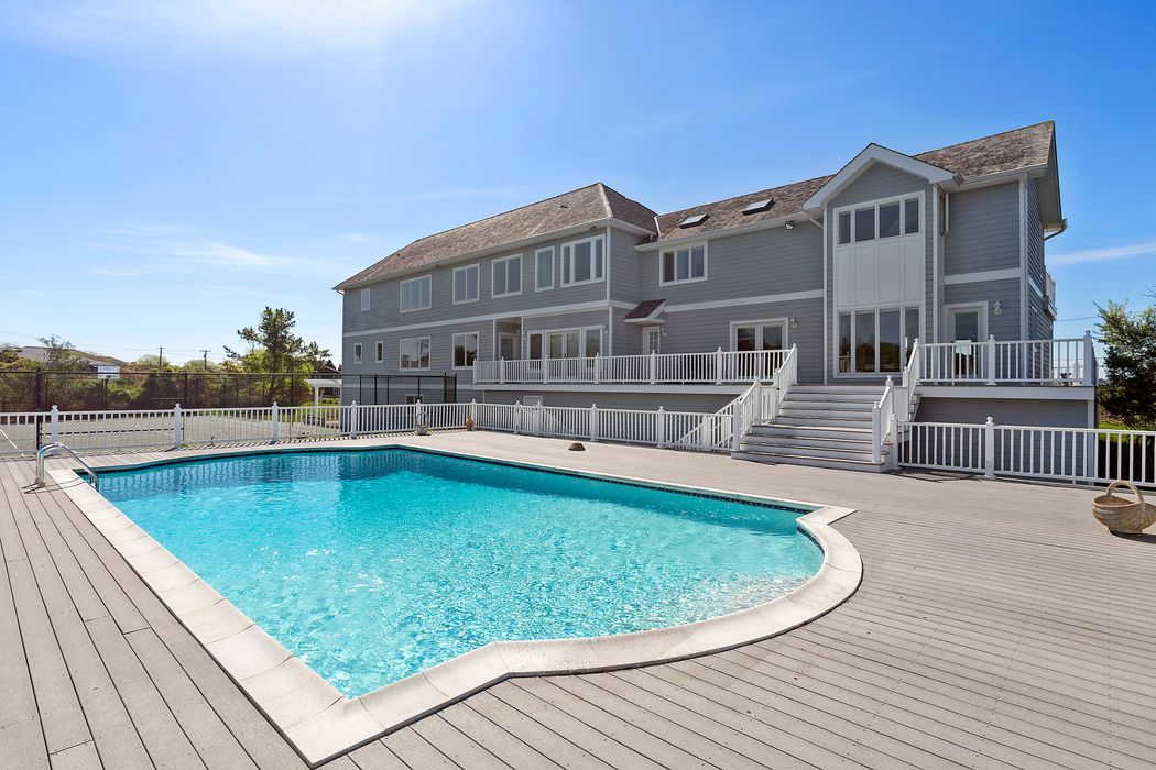 8 Fanning Drive Westhampton Beach, NY 11978