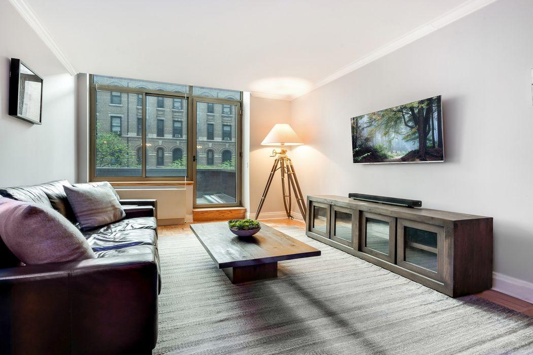 400 East 90th Street New York, NY 10128