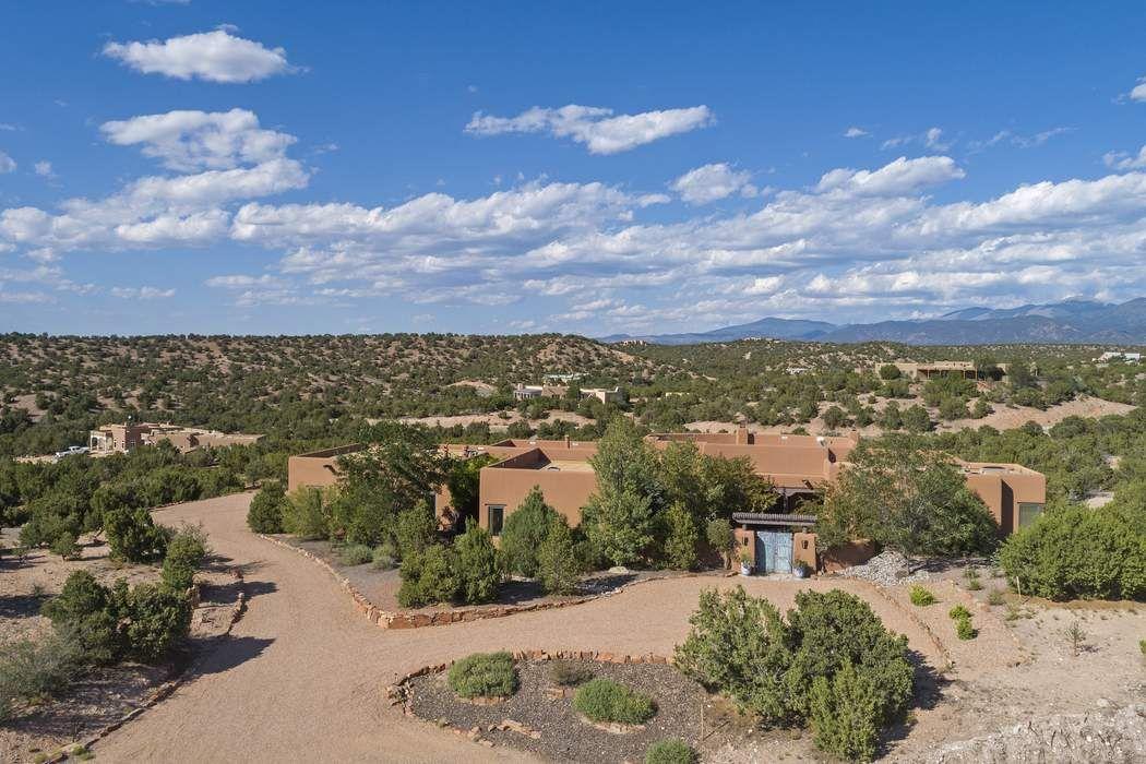 41 Camino Hasta Manana Santa Fe, NM 87506