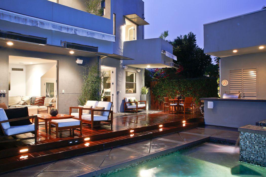 8735 Dorrington Ave West Hollywood, CA 90048