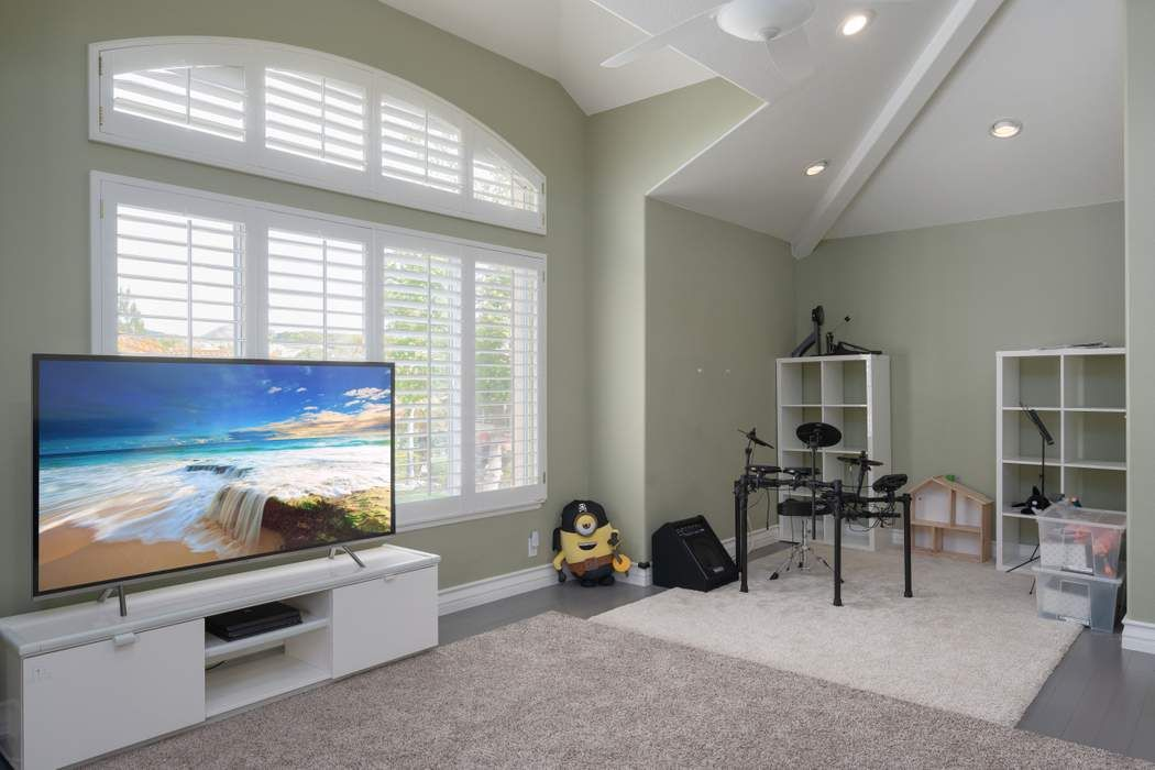 2615 Grandoaks Drive Westlake Village, CA 91361