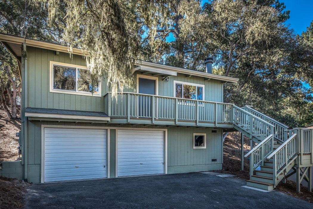 1023 Hillside Avenue Pacific Grove, CA 93950