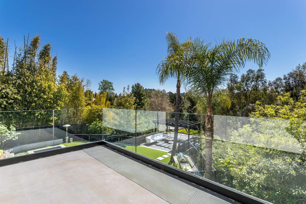 7716 Firenze Avenue Los Angeles, CA 90046