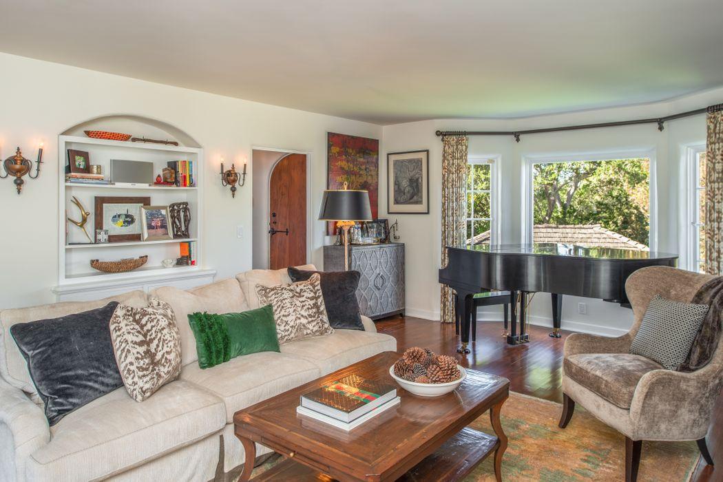 857 Alameda Avenue Monterey, CA 93940