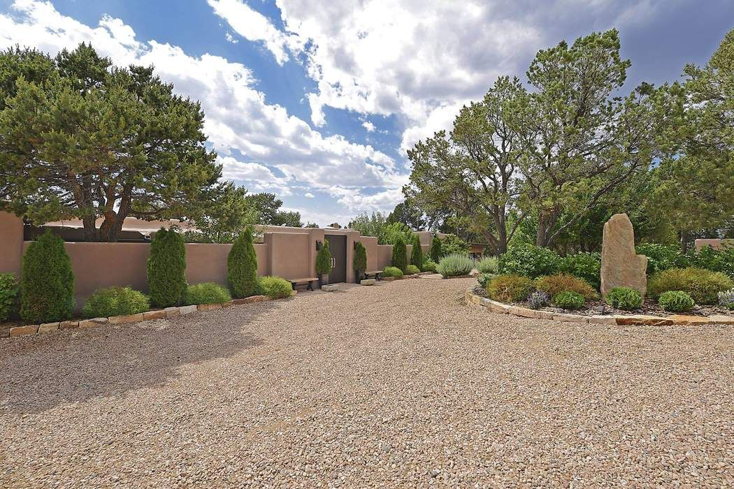 7519 Old Santa Fe Trail Santa Fe, NM 87505