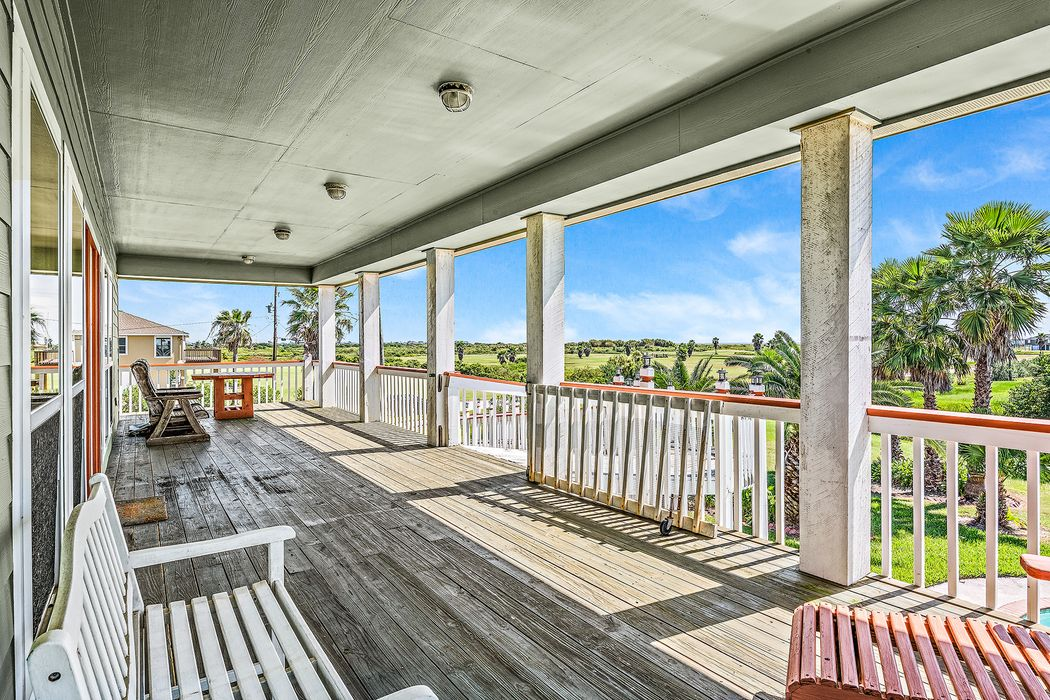 946 Ranch Road Crystal Beach, TX 77650
