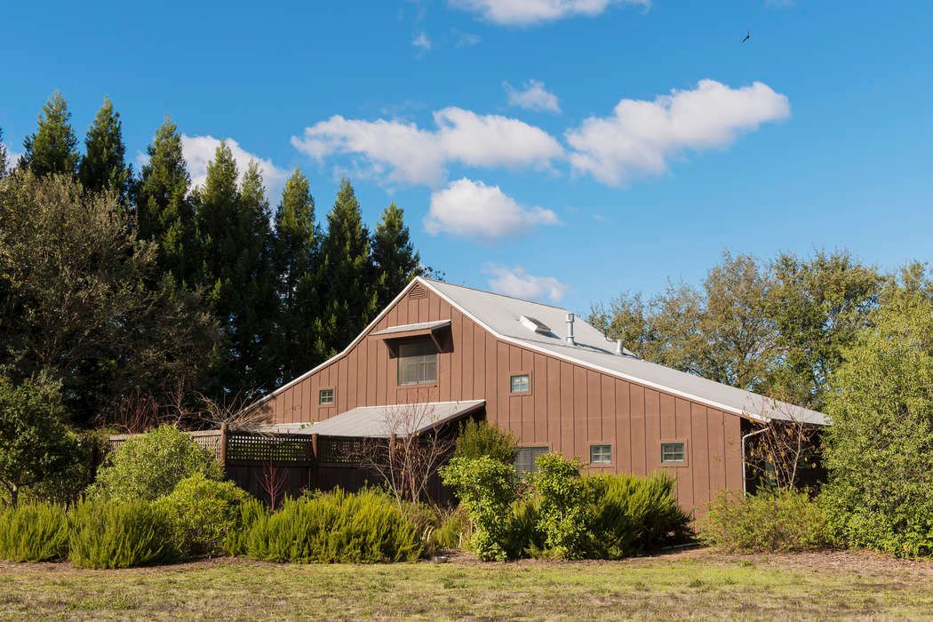 Stylish Sonoma Barn Home Sonoma, CA 95476