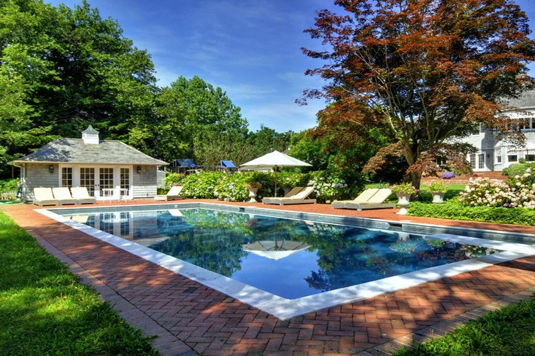 East Hampton Classic Georgian Estate East Hampton, NY 11937