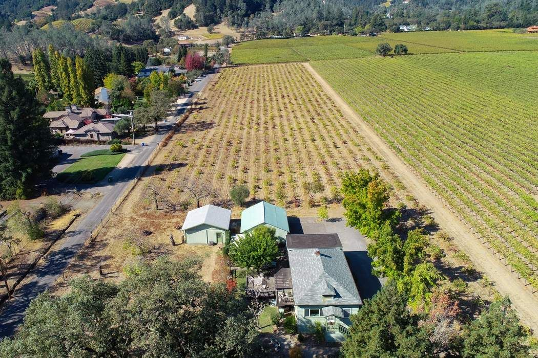 2126 Madrona Ave St. Helena, CA 94574