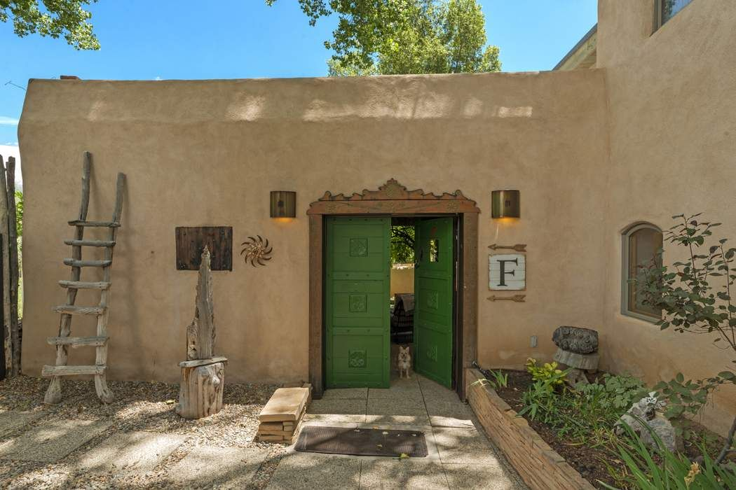 11 State Road 230 Taos, NM 87514