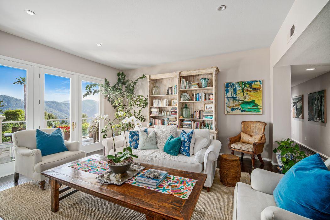 2012 Palisades Drive Pacific Palisades, CA 90272