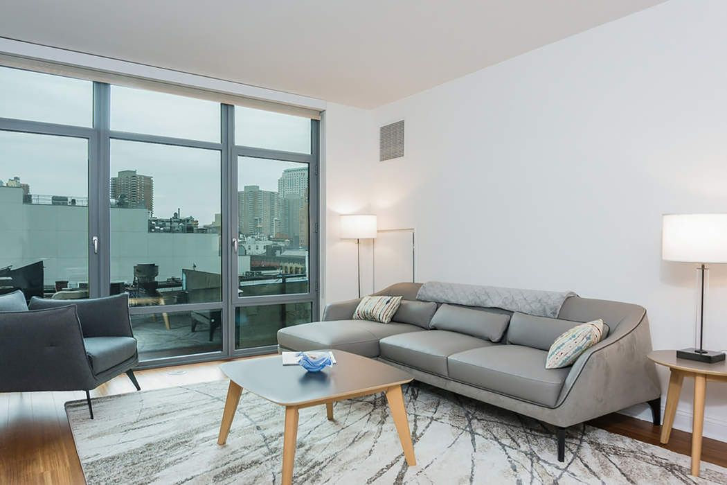 Mint Contemporary 1 Bedroom Rental!