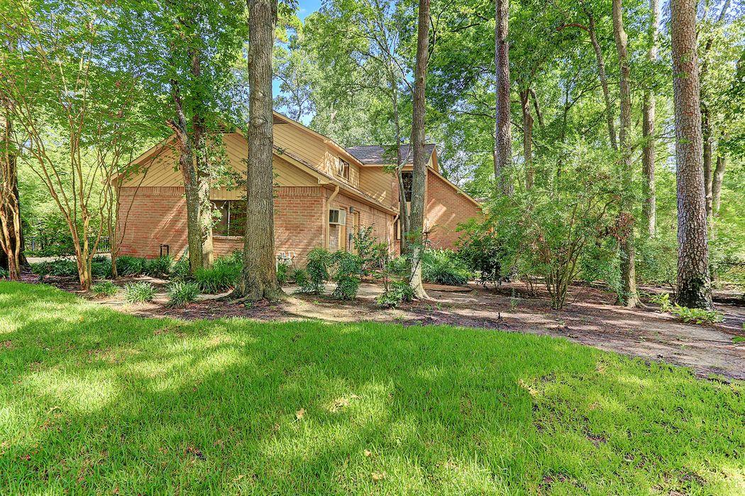 110 Lakeside Oaks Drive Houston, TX 77042