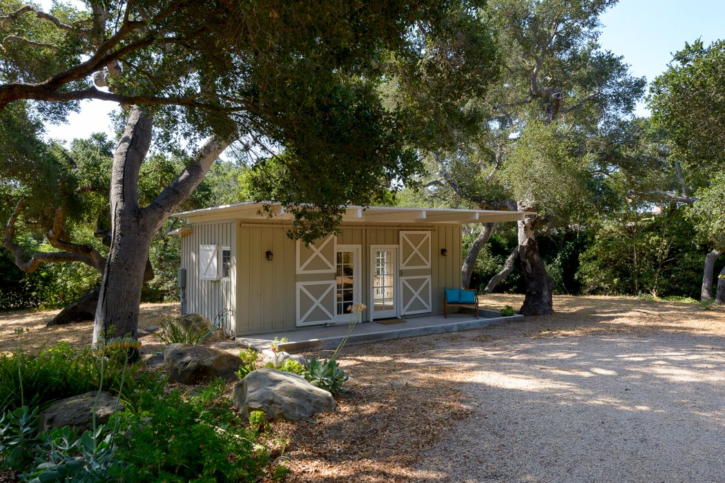 2111 Piedras Drive Santa Barbara, CA 93108