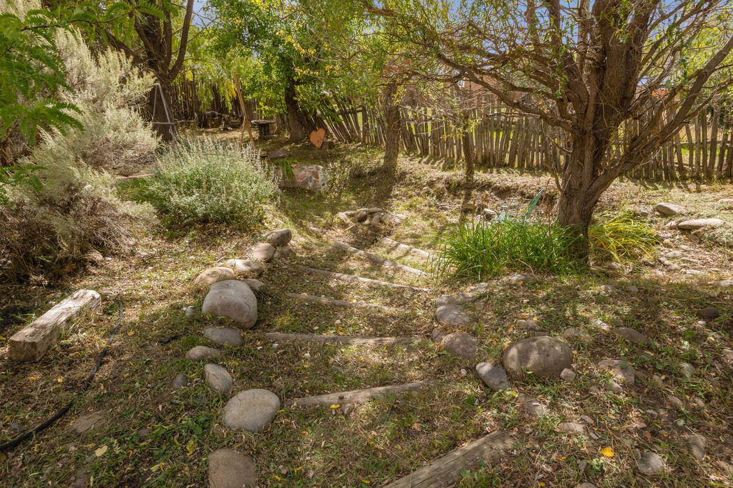 14197 State Road 75 Penasco, NM 87553