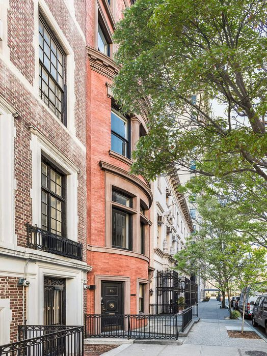 8 East 63rd Street New York, NY 10065