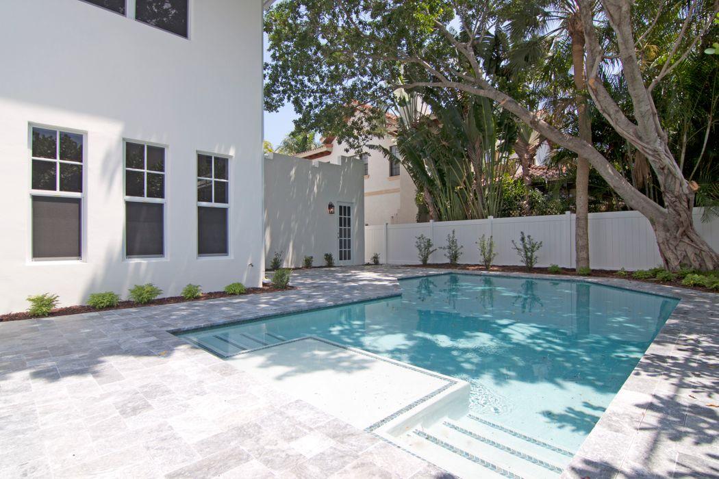 120 Bunker Ranch Rd West Palm Beach, FL 33405