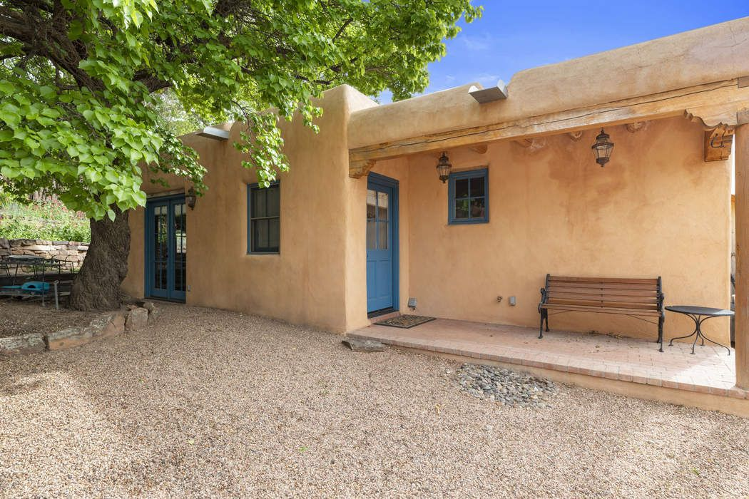 101 Victoria Street Santa Fe, NM 87505
