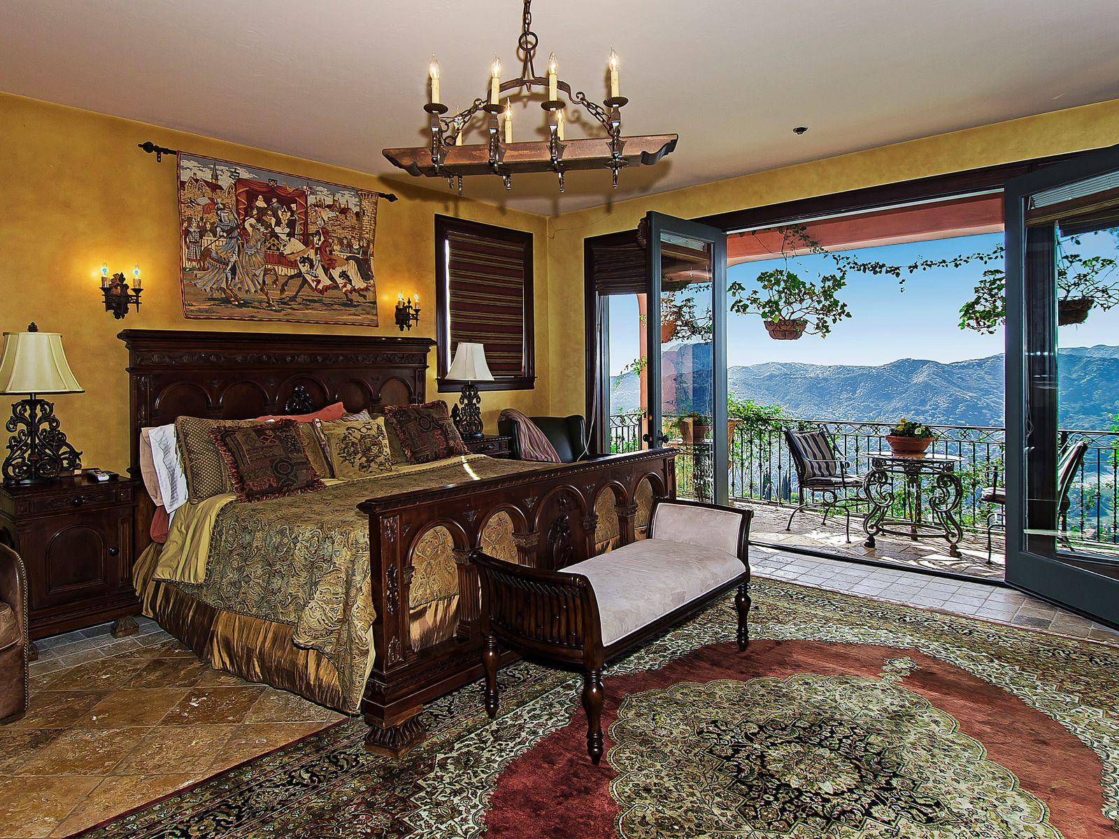 Romantic View Estate