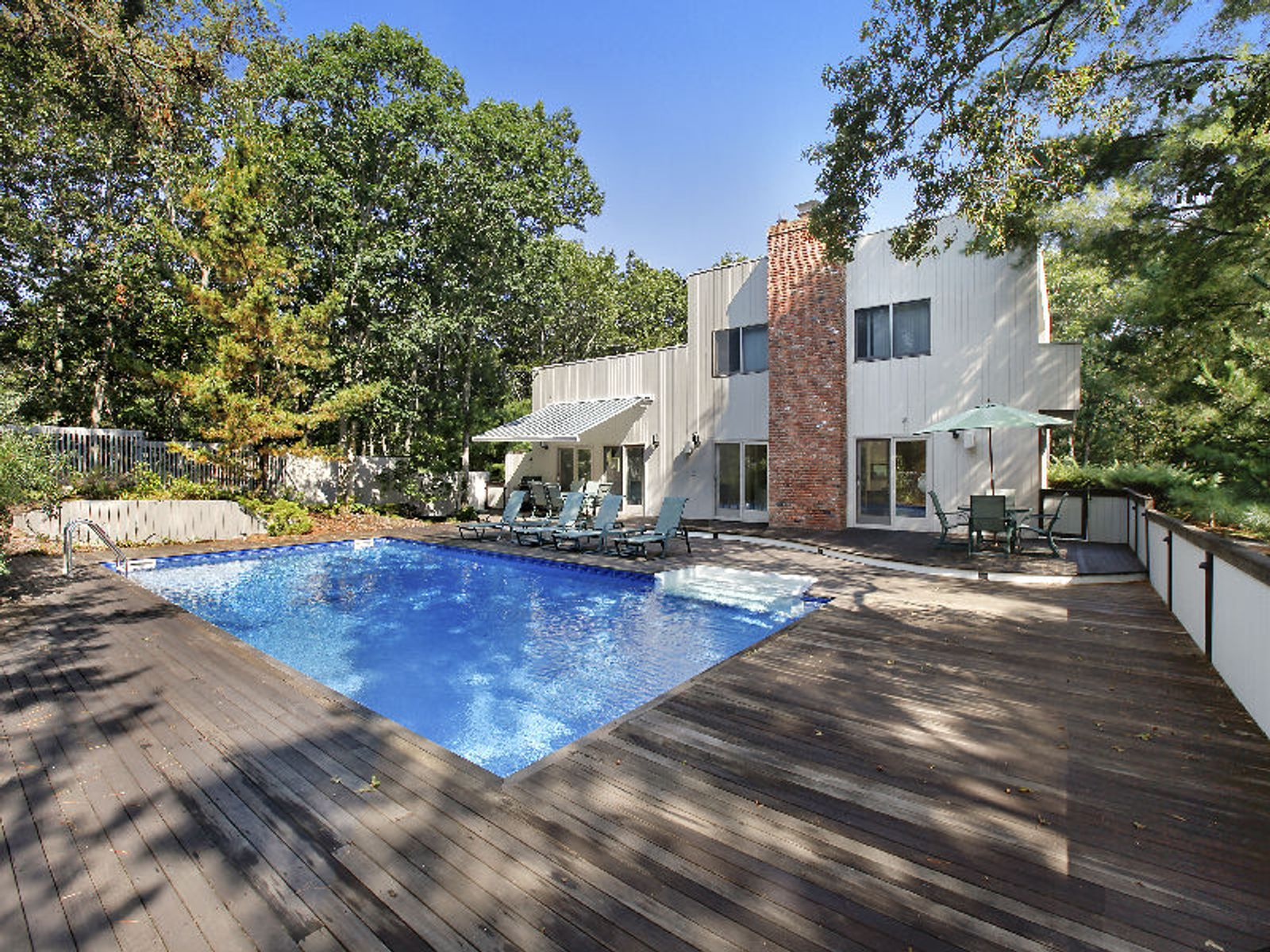 Reduced! Contemporary Surrounded