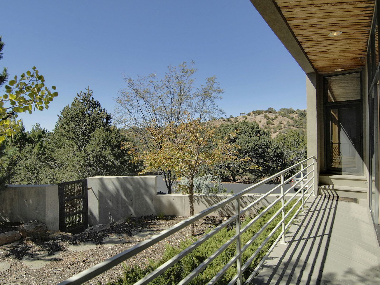 1244 Vallecita Drive