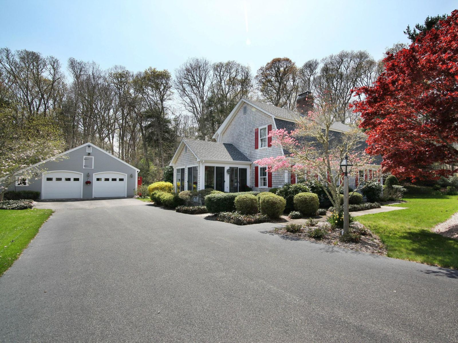 Updated Gambrel Close to Old Siver Beach