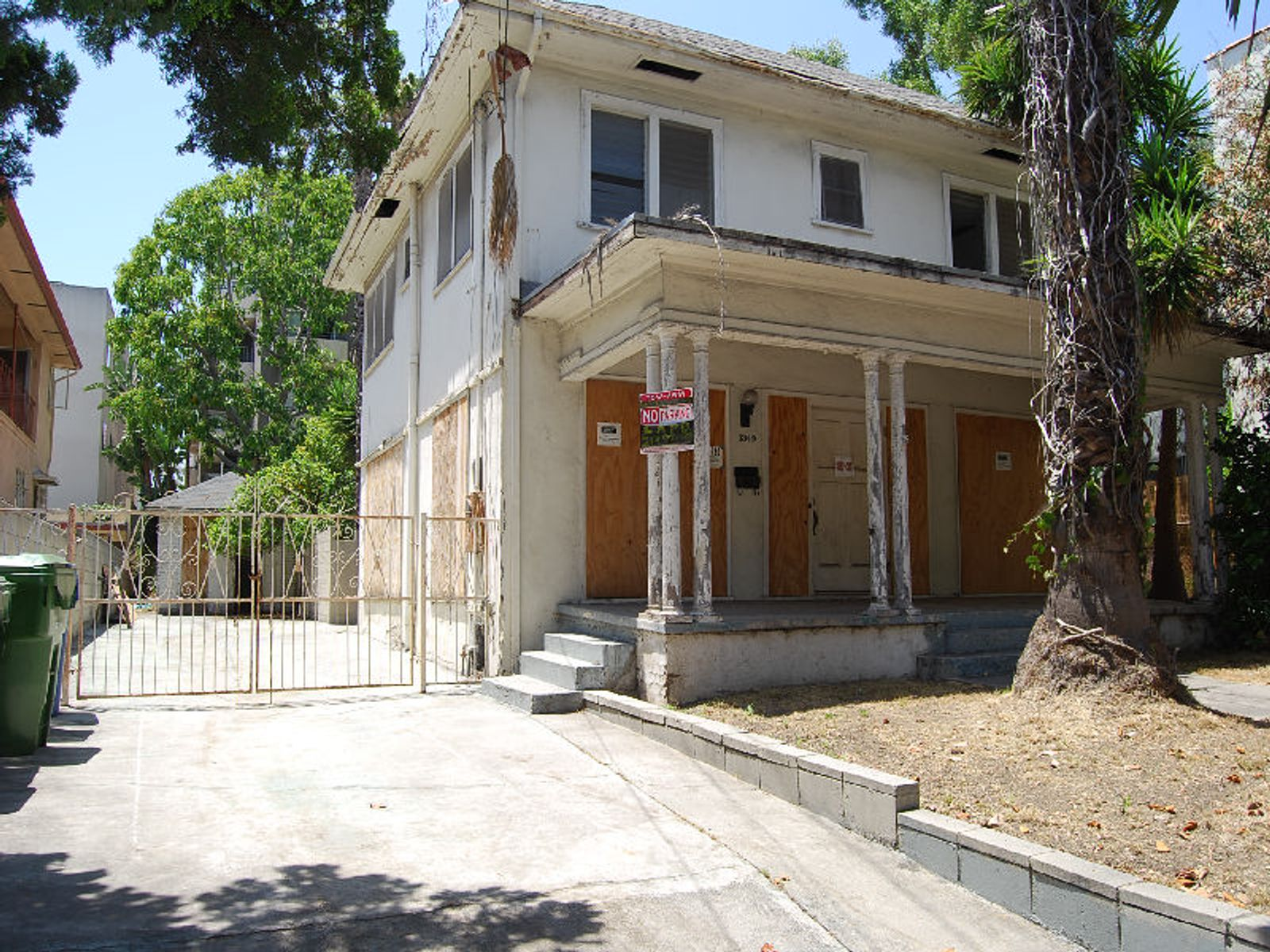 Perfect Signature Project, Los Angeles CA Single Family Home - Los Angeles Real Estate