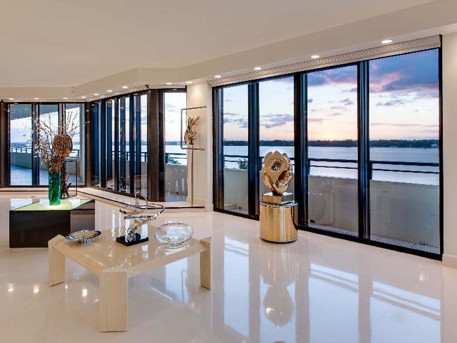 Direct Intracoastal Penthouse