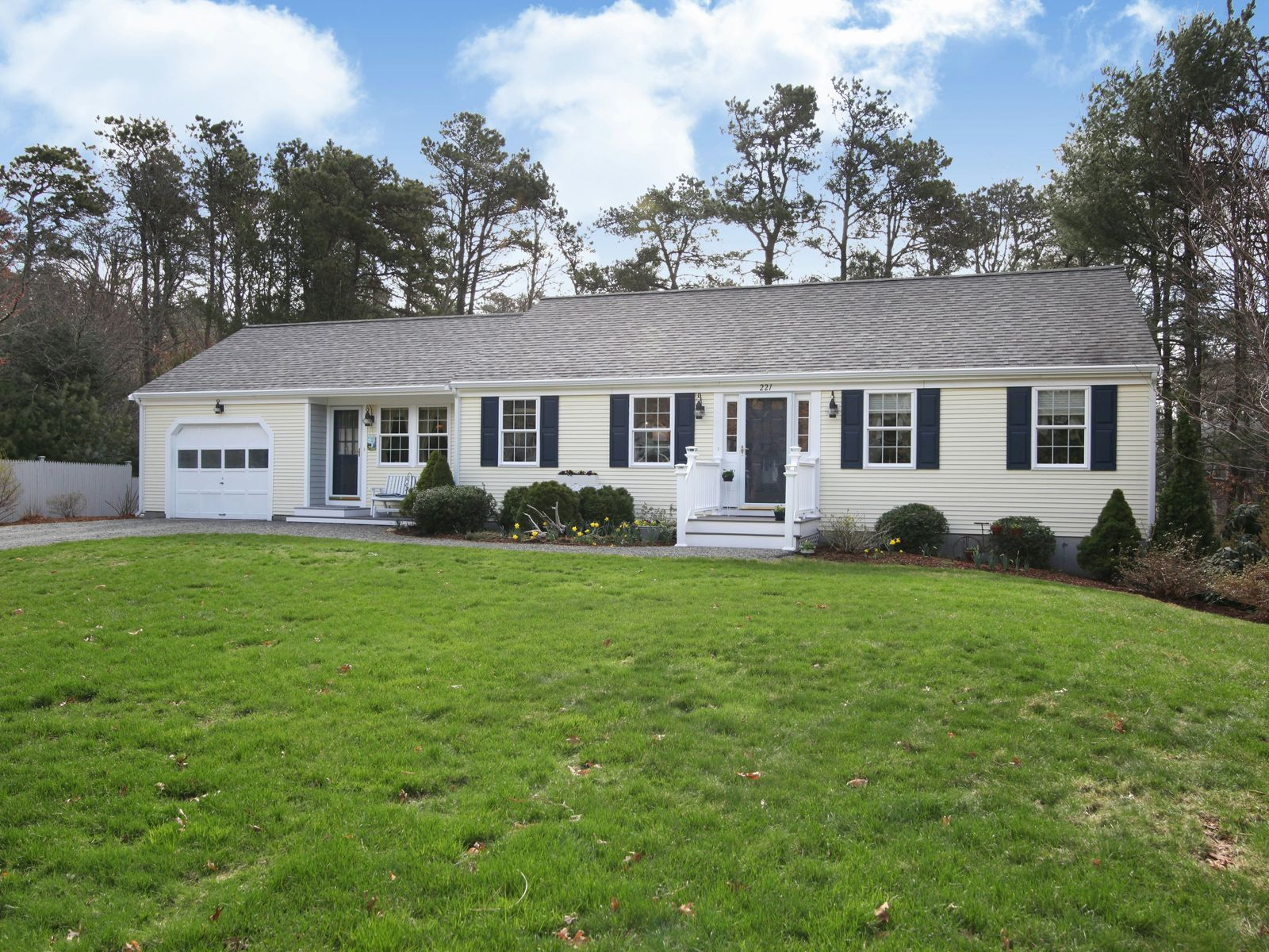 Pristine Ranch with Guest Suite, Osterville MA Single Family Home - Cape Cod Real Estate