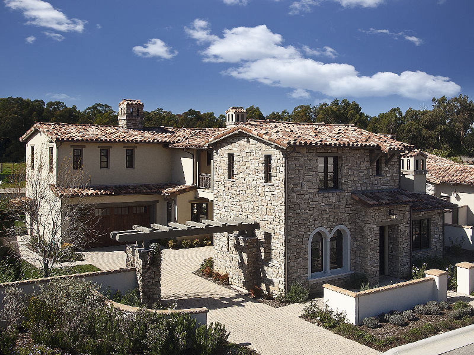 Nearly new tuscan style home santa barbara ca single for Tuscan california
