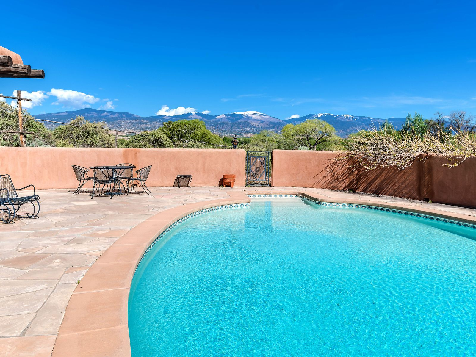 19 Camino Las Joyas, Santa Fe NM Single Family Home - Santa Fe Real Estate