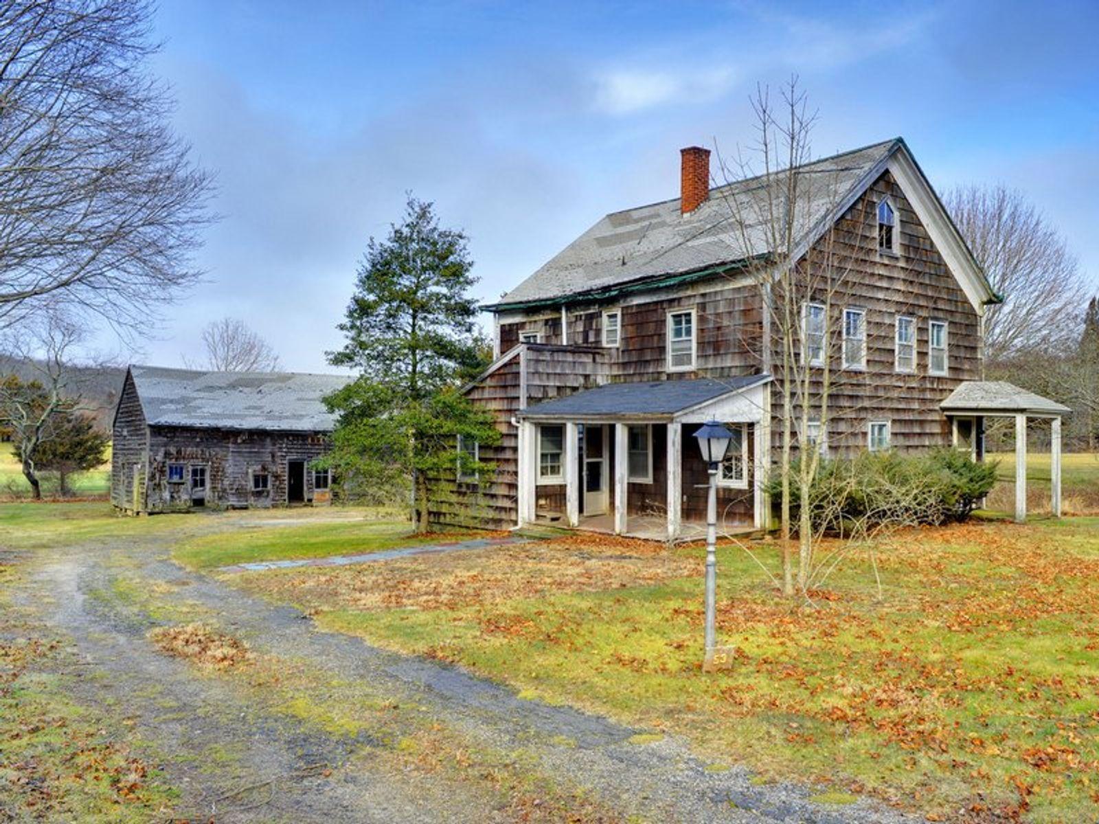 Amagansett farm house in contract amagansett ny single for Luxury hamptons real estate
