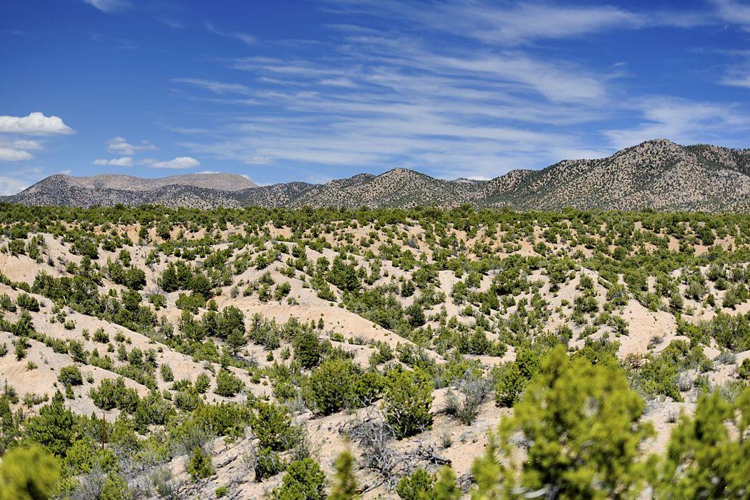 36 Valle De Suerte Santa Fe, NM 87506