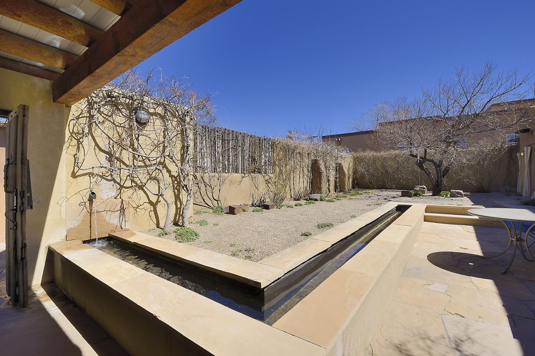 1144-B Canyon Road Santa Fe, NM 87501