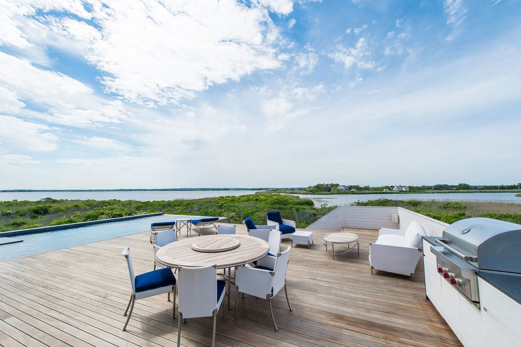 40 Dune Road Bridgehampton, NY 11932