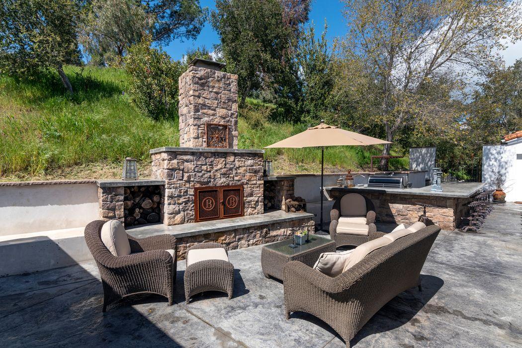 698 Hillside Drive Solvang, CA 93463