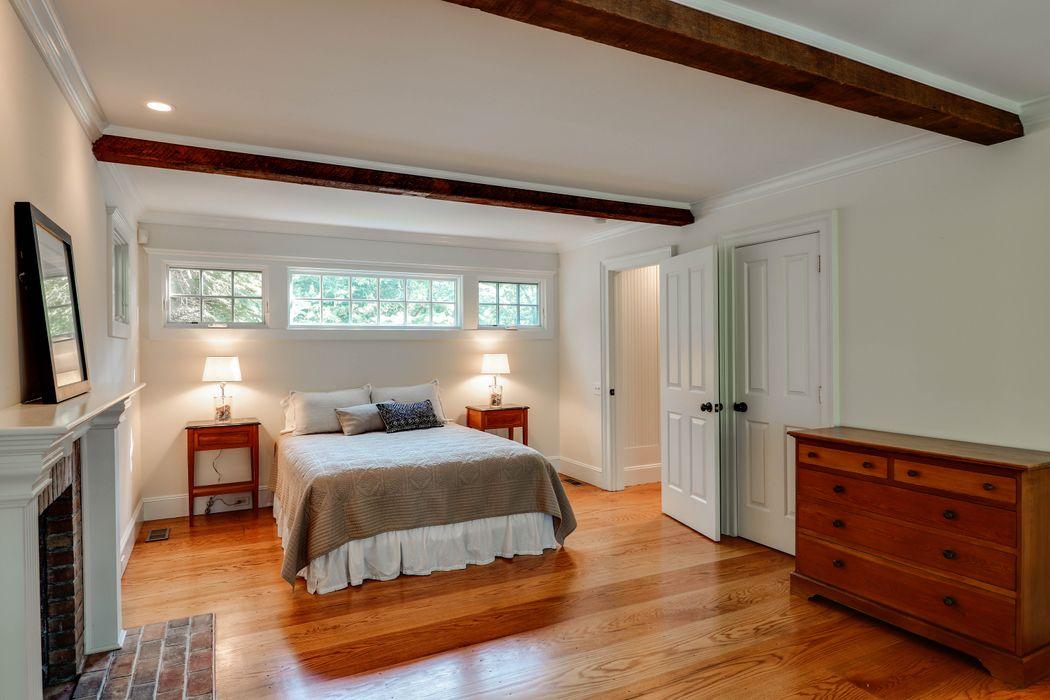 5 Clamshell Avenue East Hampton, NY 11937