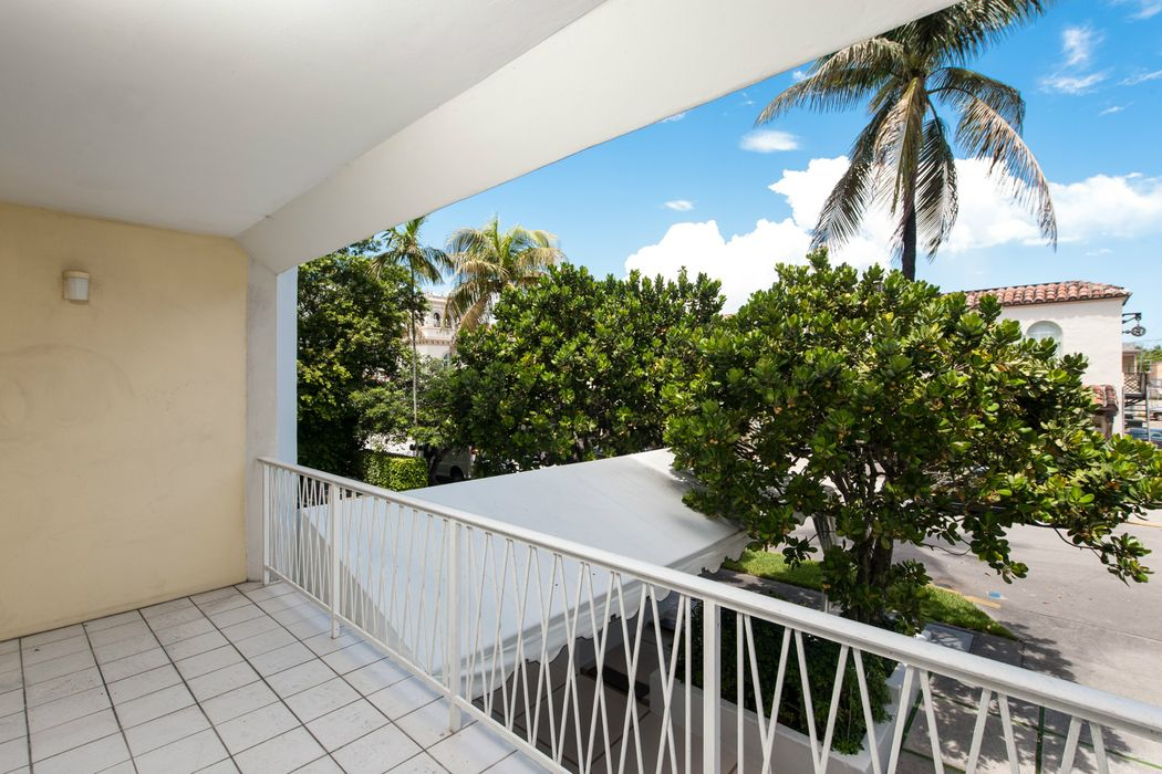 170 Chilean Ave Palm Beach, FL 33480