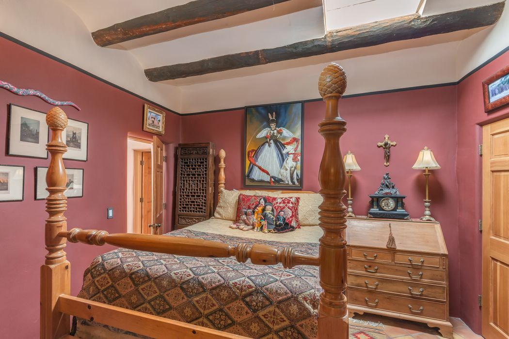 423 W. San Francisco Street #2 Santa Fe, NM 87501