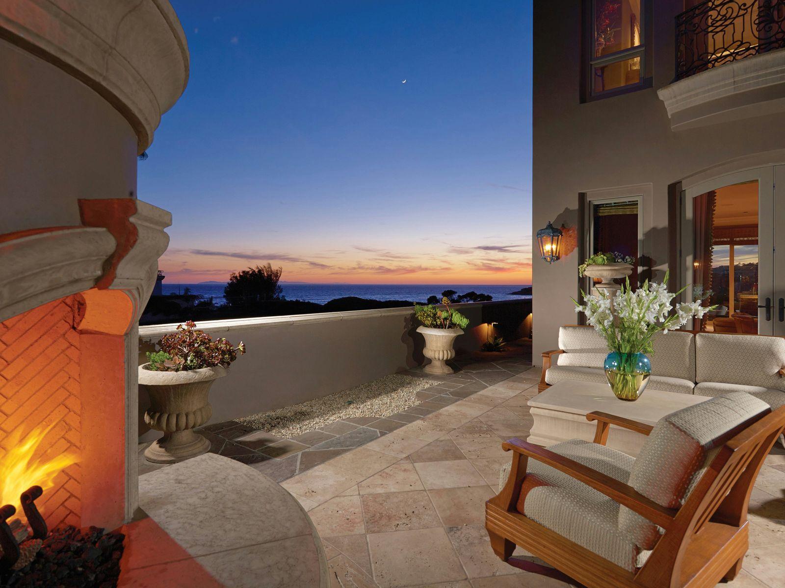 Spectacular Oceanfront Residence