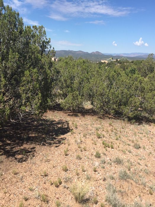 6 Windridge Circle Santa Fe, NM 87506
