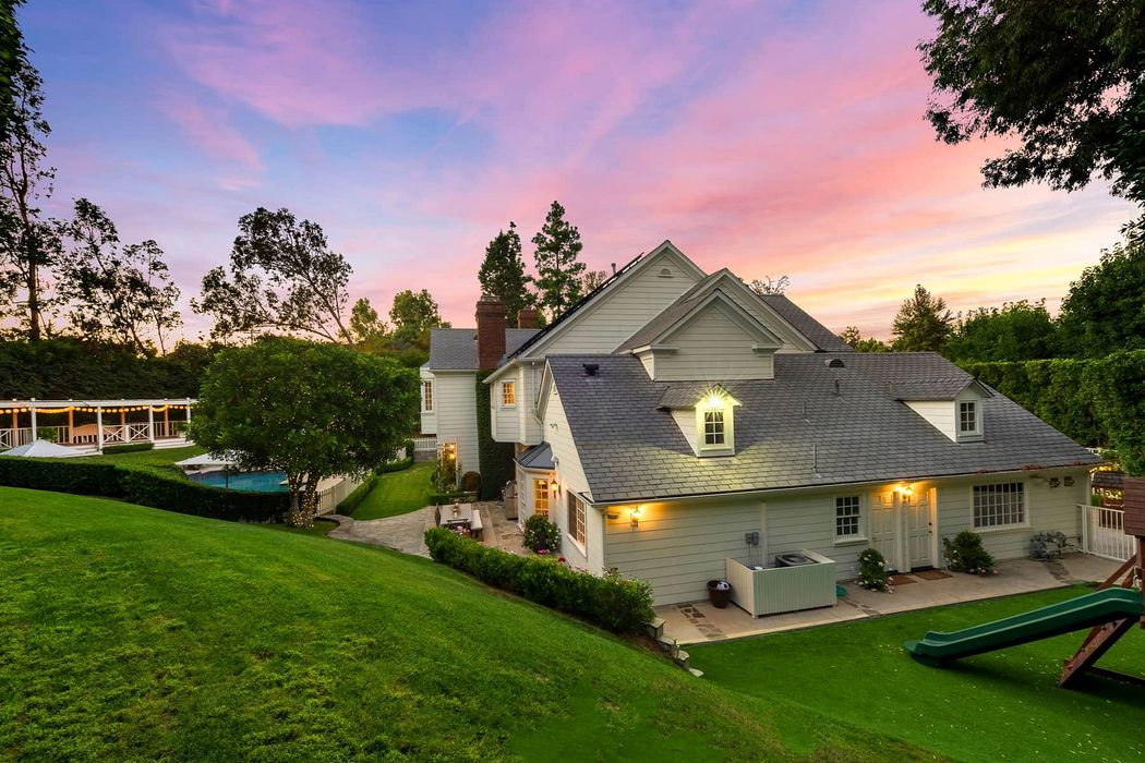 12097 Summit Circle Beverly Hills, CA 90210