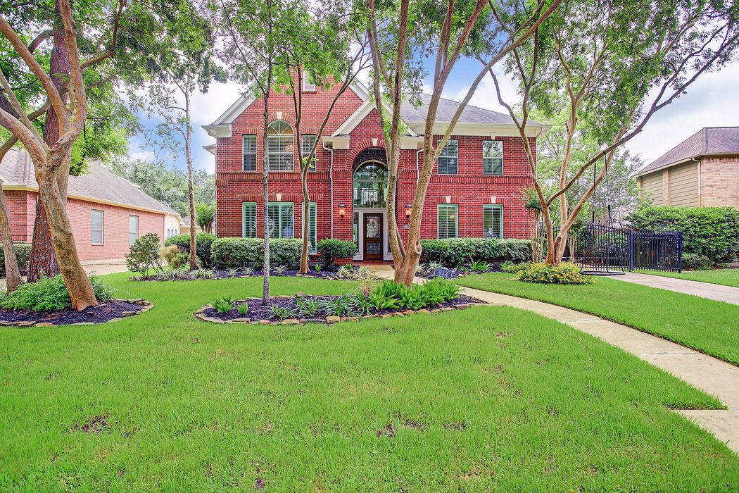934 Chisel Point Drive Houston, TX 77094