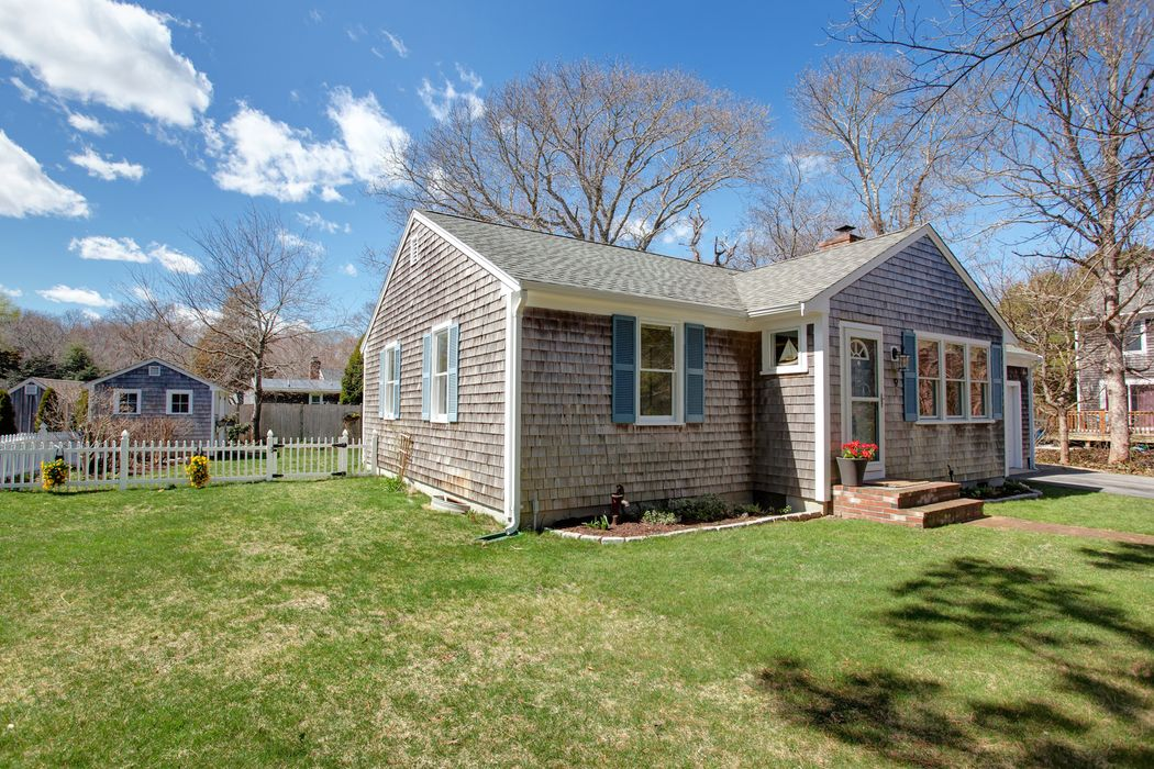 9 Richards Way East Sandwich, MA 02537