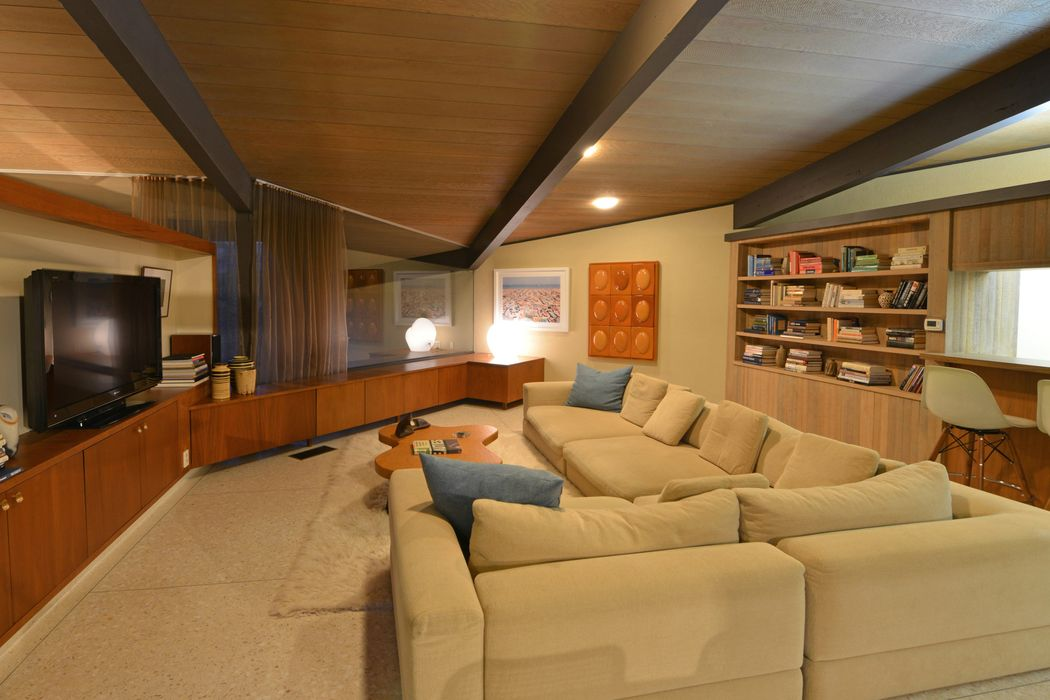 Pristine Mid-Century Architectural Home Beverly Hills, CA 90210