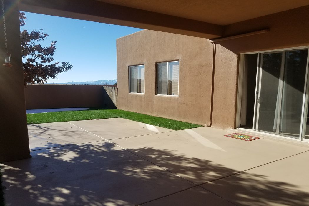 80 Canada Del Rancho Santa Fe, NM 87508