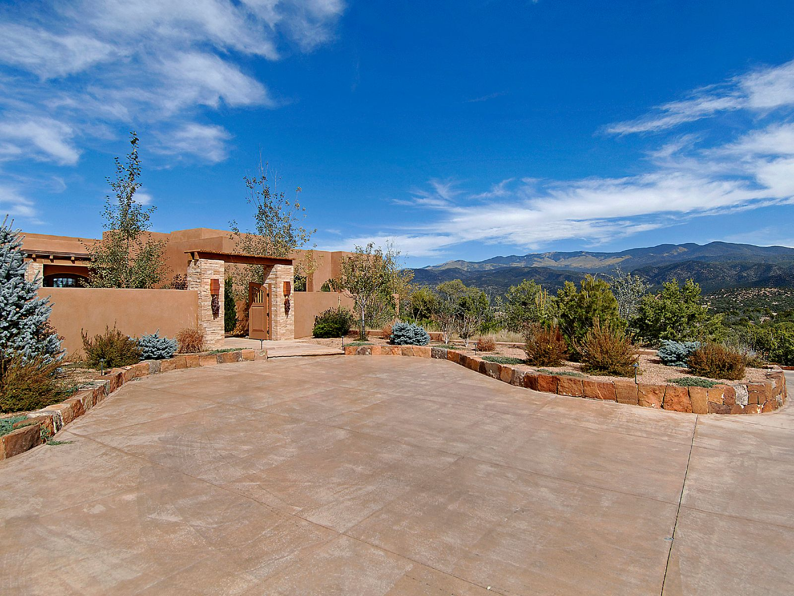 Monte Sereno Award Winning Contemporary, Santa Fe NM Single Family Home - Santa Fe Real Estate
