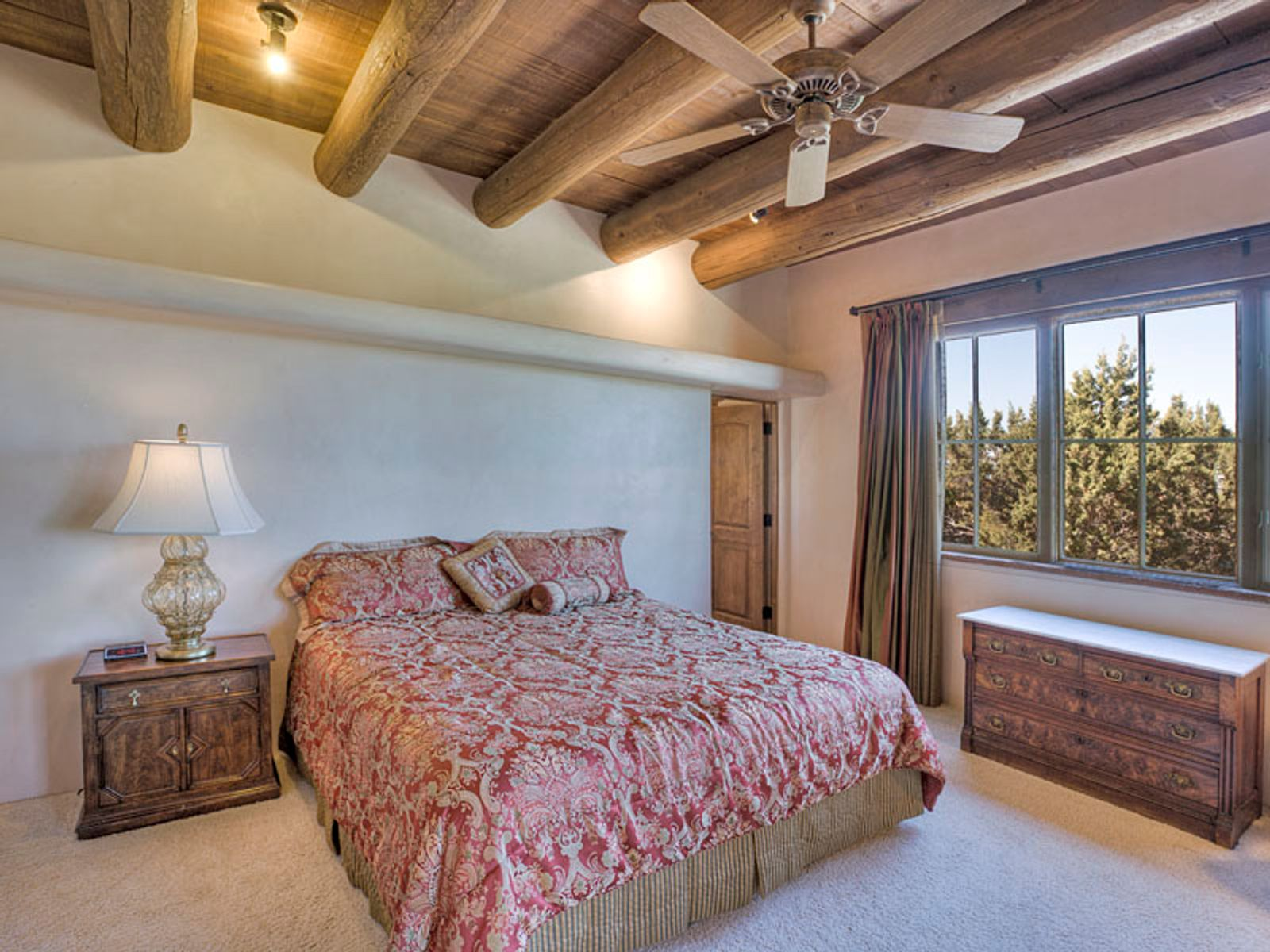 Private and spacious guest bedroom