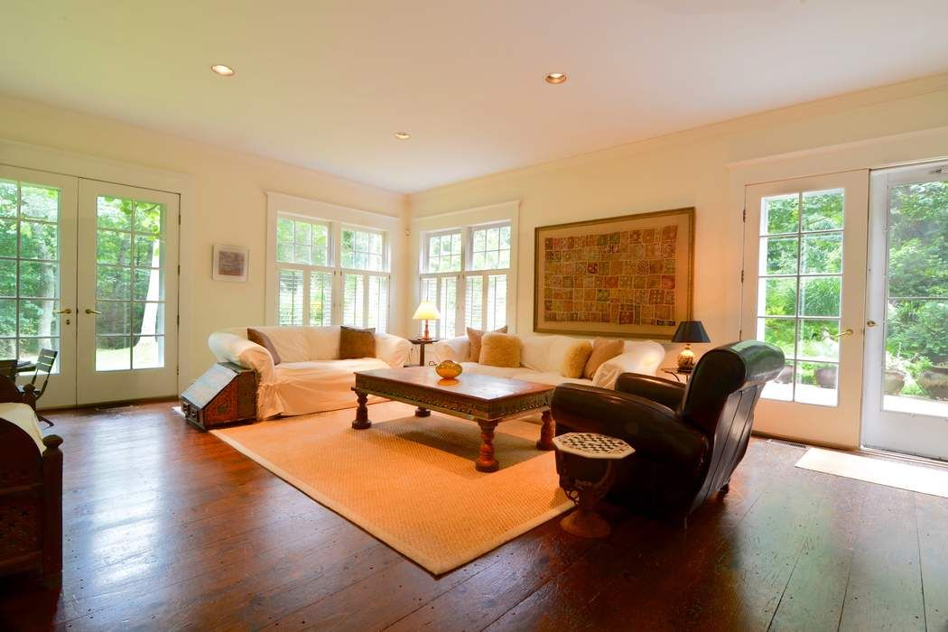 PEACEFUL AMAGANSETT TRADITIONAL Amagansett, NY 11930